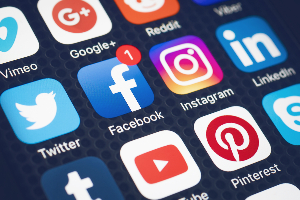 Best and Worst Social Media Features Over the Past Year